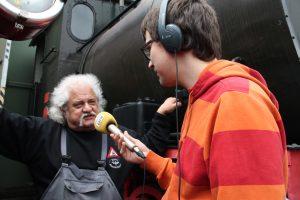 Gregor Atzbach im Gespräch mit Günter Bender der Bahnwelt Darmstadt-Kranichstein